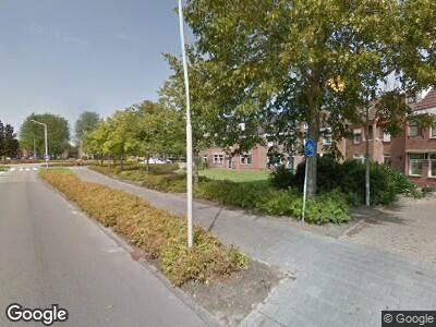 Ambulance met grote spoed naar Gerard Brandtweg in Enkhuizen vanwege brand