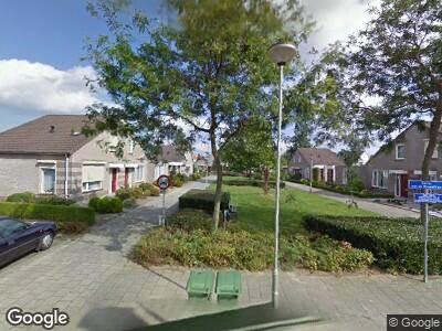 Ambulance met grote spoed naar Meester Mertensstraat in Nederweert