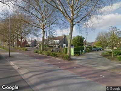 Ambulance met grote spoed naar Spinozaweg in Rotterdam