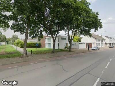 Brandweer met grote spoed naar Dokter van Kleefstraat in Maastricht vanwege brand