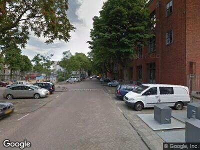 Ambulance met gepaste spoed naar Heiman Dullaertplein in Rotterdam