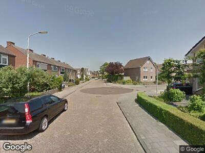 Ambulance met grote spoed naar Van den Berghweg in Didam