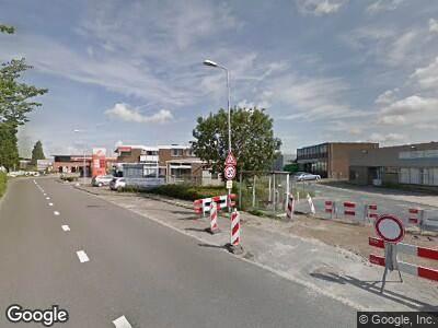 Ambulance met grote spoed naar Veersedijk in Hendrik-Ido-Ambacht