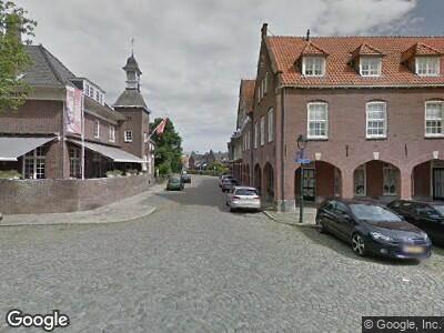 Brandweer met grote spoed naar C.T. Storkstraat in Hengelo vanwege brand
