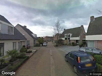Ambulance met grote spoed naar Notendreef in Heeswijk-Dinther