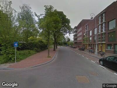 Ambulance met gepaste spoed naar Polderweg in Amsterdam
