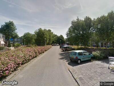 Brandweer met grote spoed naar Albert Verweylaan in Delft vanwege waarnemen gaslucht