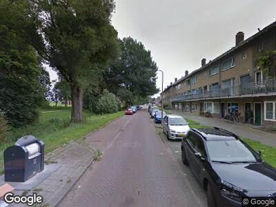Ambulance met grote spoed naar Veerpolderstraat in Arnhem