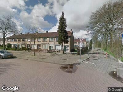 Ambulance met gepaste spoed naar Viskaarweg in Hoogvliet Rotterdam