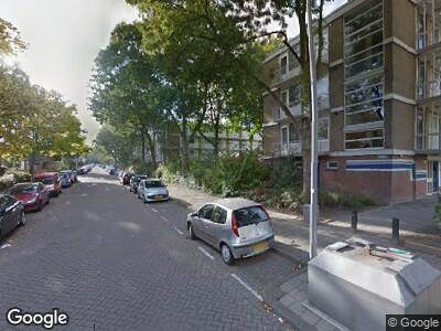 Ambulance met gepaste spoed naar Peitkreek in Rotterdam