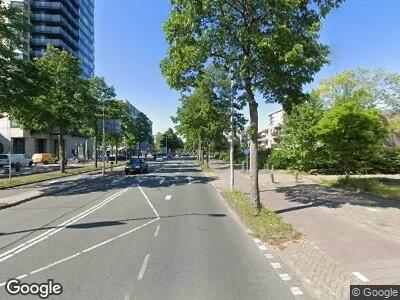 Ambulance met gepaste spoed naar Van Leijenberghlaan in Amsterdam