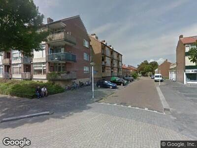 Ambulance met grote spoed naar Gerrit van Dalenstraat in Papendrecht
