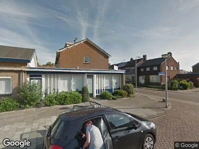 Ambulance met grote spoed naar Verzetsstraat in Nieuwerkerk aan den IJssel