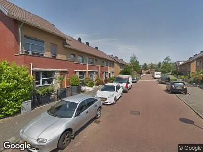 Ambulance met grote spoed naar Nicolaas Beetslaan in Amstelveen