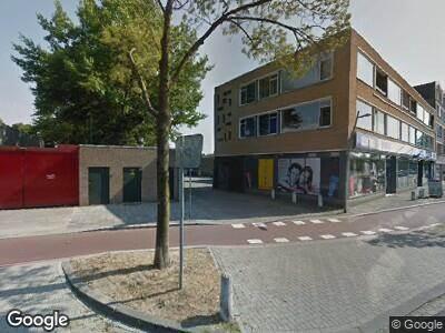 Ambulance met gepaste spoed naar Wethouder van Eschstraat in Oss