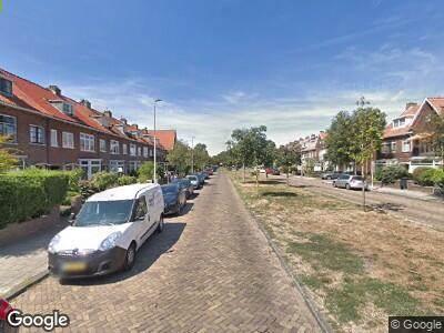 Ambulance met gepaste spoed naar Muiderslotweg in Haarlem