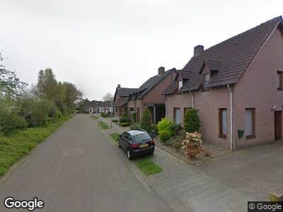 Ambulance met grote spoed naar Eutropiastraat in Weert