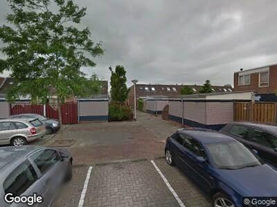 Ambulance met grote spoed naar Vrouw Jacob erf in Capelle aan den IJssel