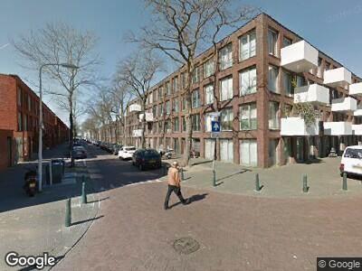 Ambulance met grote spoed naar Langnekstraat in 's-Gravenhage