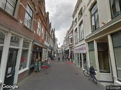 Ambulance met gepaste spoed naar Grote Spuistraat in Dordrecht