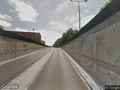Brandweer met gepaste spoed naar Overcingellaan in Assen vanwege een liftopsluiting