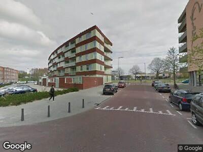 Ambulance met grote spoed naar Da Costastraat in Rotterdam