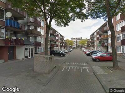 Ambulance met grote spoed naar Baloeranstraat in Rotterdam