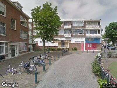 Ambulance met grote spoed naar Texelsestraat in Rotterdam