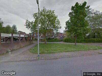Ambulance met grote spoed naar Rotterdamsingel in Arnhem