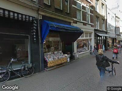 Ambulance met grote spoed naar Voorstraat in Dordrecht