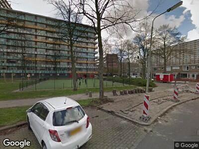 Brandweer met gepaste spoed naar Frederik van Eedenlaan in Delft vanwege een buitenbrand