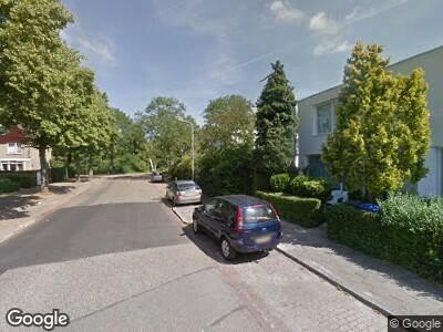 Brandweer met gepaste spoed naar Multatuliweg in Delft vanwege een buitenbrand