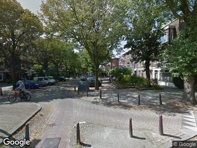Ambulance met grote spoed naar Caan van Necklaan in Rijswijk