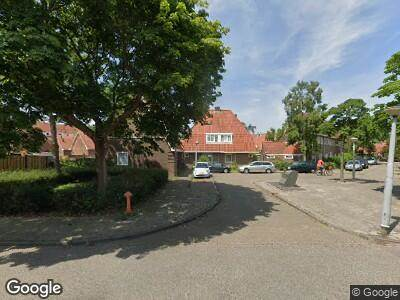 Ambulance met grote spoed naar Avenhornstraat in Amsterdam