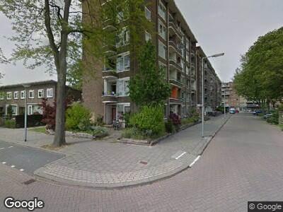 Ambulance met gepaste spoed naar Burgemeester Stulemeijerlaan in Schiedam