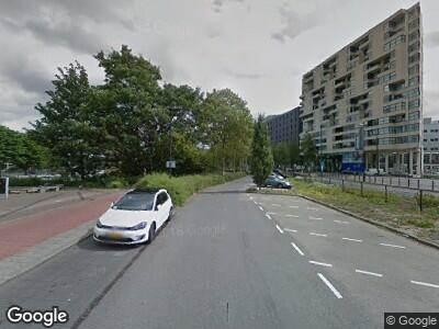 Ambulance met grote spoed naar Generaal Eisenhowerplein in Rijswijk