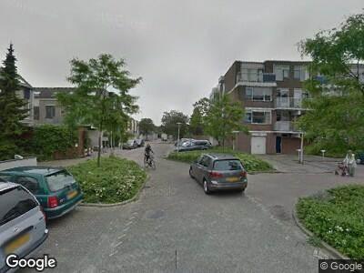 Ambulance met grote spoed naar Bazuin in Capelle aan den IJssel