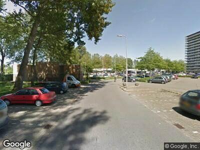 Ambulance met grote spoed naar Schermerhoek in Capelle aan den IJssel