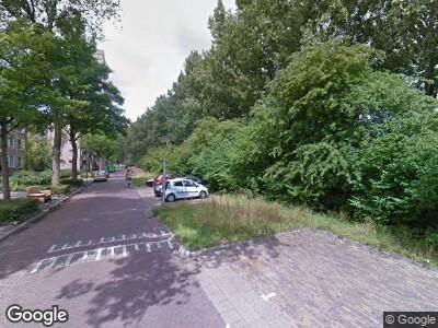 Ambulance met grote spoed naar Van Beresteynstraat in Delft