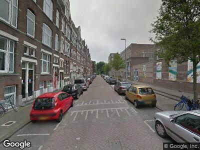 Brandweer met grote spoed naar De Vliegerstraat in Rotterdam