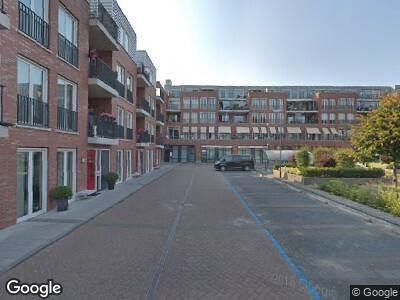 Ambulance met grote spoed naar Agneshove in Voorhout