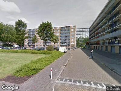 Ambulance met grote spoed naar Argostraat in Alphen aan den Rijn