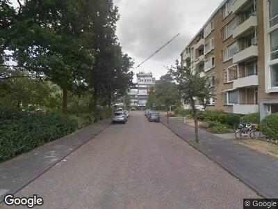 Ambulance met grote spoed naar Henriette Roland Holstlaan in Rijswijk