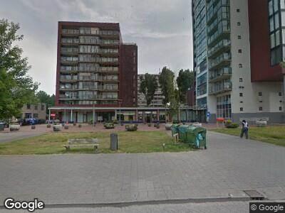 Ambulance met grote spoed naar Vlissingenplein in Rotterdam