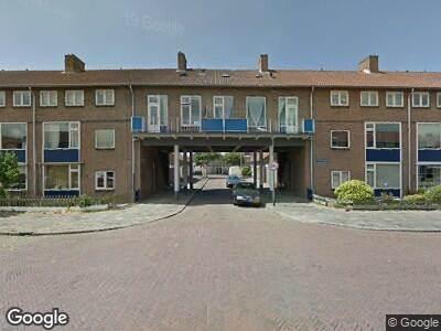 Ambulance met grote spoed naar Van Poptaplantsoen in IJmuiden