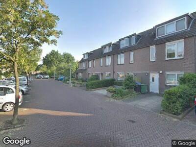 Ambulance met grote spoed naar De Parel in Amstelveen