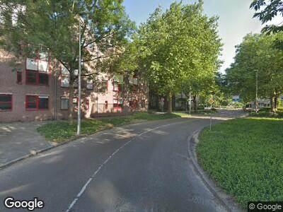 Ambulance met grote spoed naar Laan Nieuwer-Amstel in Amstelveen
