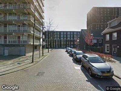 Ambulance met grote spoed naar Statenjachtstraat in Amsterdam