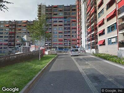 Ambulance met gepaste spoed naar Croydonplein in Arnhem