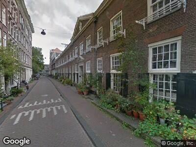 Ambulance met grote spoed naar Karthuizersstraat in Amsterdam